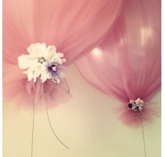 Baloon with tule