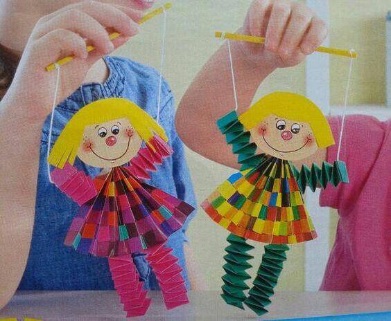 Clowns, Puppets