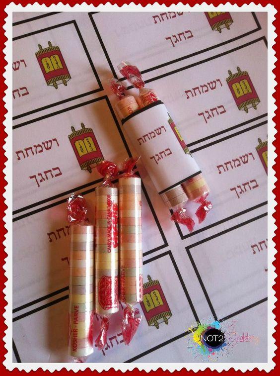 Shavuot, Simchat Tora winkie Torah