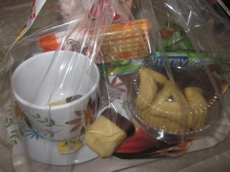 Mishloach manot, tea theme, tea shaped cookies
