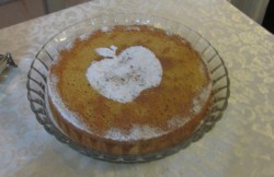Honey (or apple cake) for Rosh Hashanah with confection sugar design