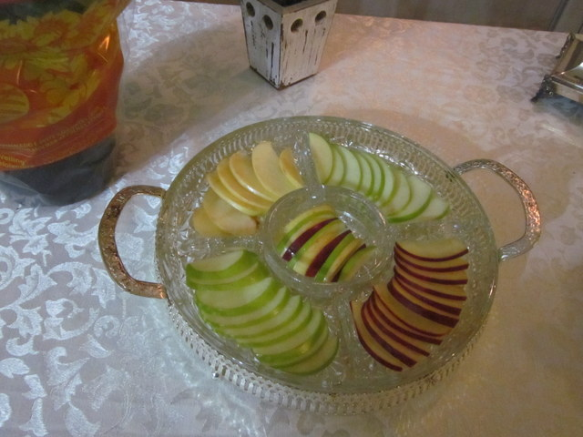 Rosh Hashanah apple and honey dish (3 color apples)