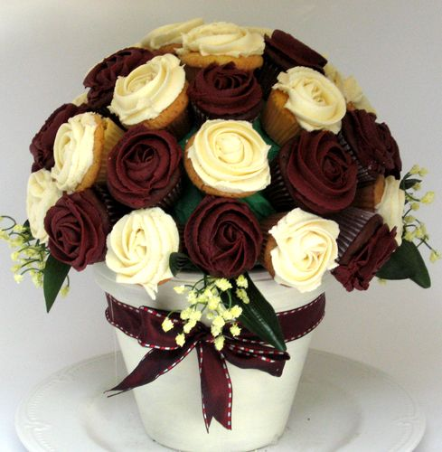 Cup cake vase