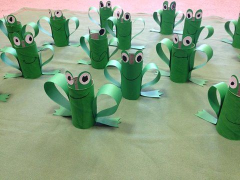 Frogs to decorate table or put napkins inside