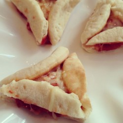 Pizza hamantachen (with mini pita)