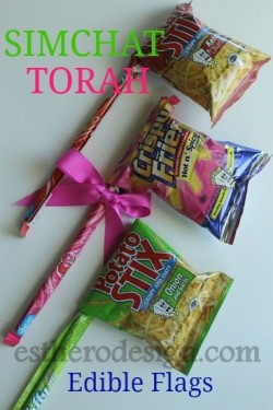 Edible Simchat Tora Flags or Gragger