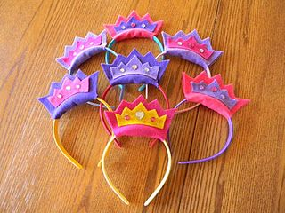 Decorate hairband crowns for Purim