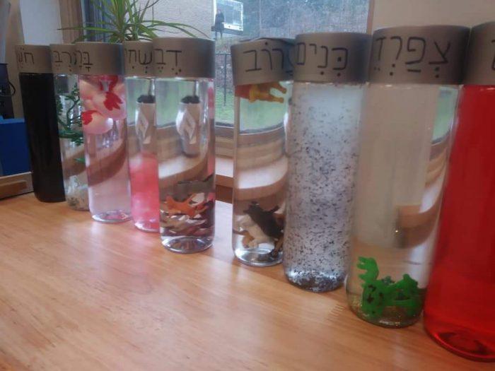 10 makkot bottles
